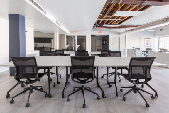 Breather La On Demand Meeting Spaces In La