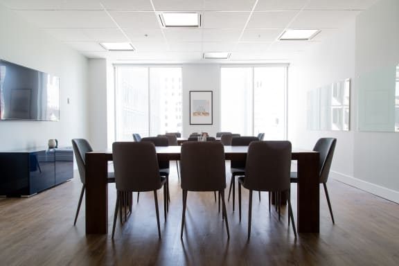 Workspace fully furnished and equipped located at 1000 Rue de la Gauchetière O., #360, Montreal.