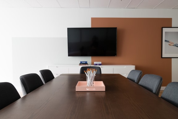 Workspace fully furnished and equipped located at 1130 Sherbrooke O., #360, Montreal.
