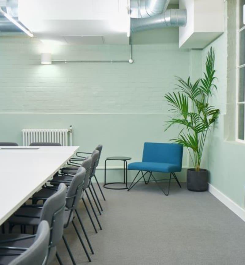 133 Whitechapel High Street, Room MR 04
