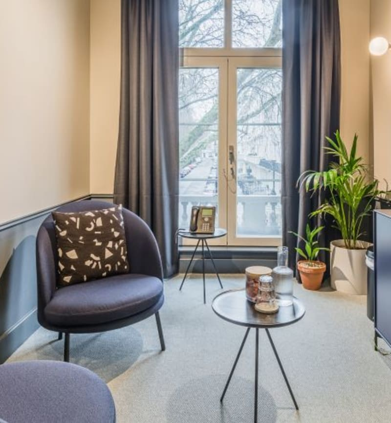 84 Eccleston Square, Room MR 02