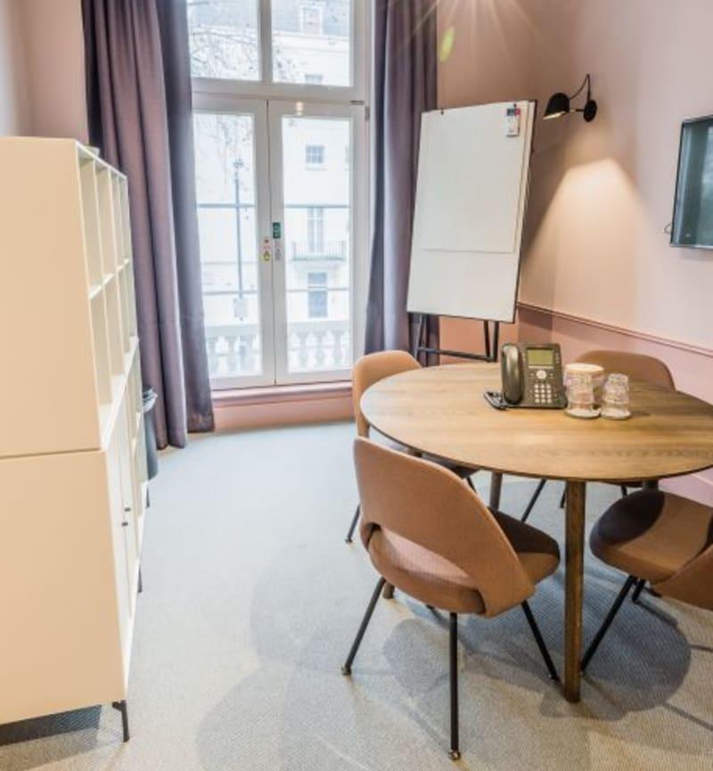 84 Eccleston Square, Room MR 04