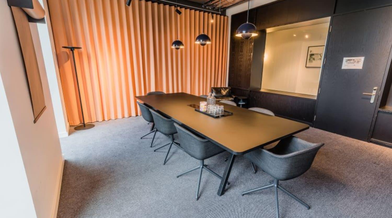 92 Albert Embankment, Room MR 03