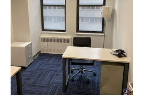 Office space located at 211 East 43rd Street, 7th Floor, Room Office #604, #2