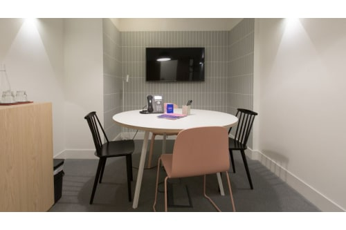Office space located at 3 Lloyd's Avenue, Room MR 04, #1