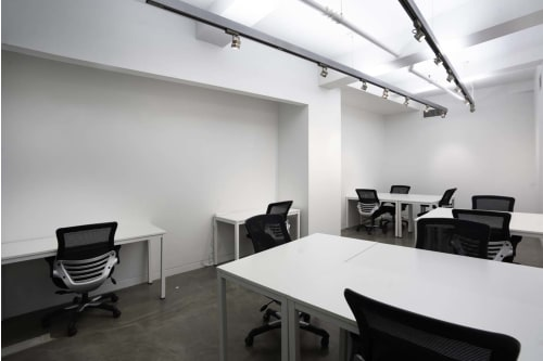 Office space located at 530 7th Avenue, M1 Floor, Suite 13, #5