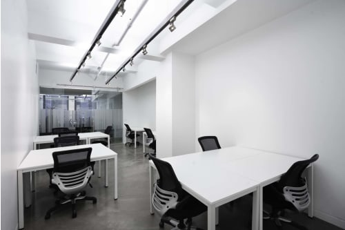 Office space located at 530 7th Avenue, M1 Floor, Suite 13, #6