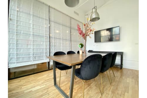 Office space located at 594 Broadway, 7th Floor, Suite 701, Room Private Meeting Room, #4