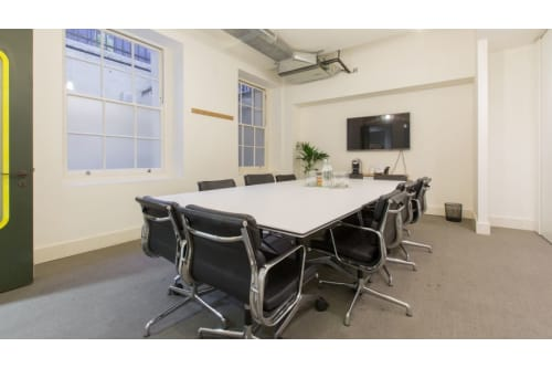 Office space located at 7-8 Stratford Place, Room MR 01, #1