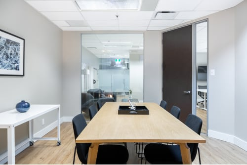 Office space located at Centre de Commerce Mondial, 747 Rue du Square-Victoria, 2nd Floor, Suite 2020, #4