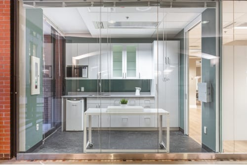 Office space located at Centre de Commerce Mondial, 747 Rue du Square-Victoria, 2nd Floor, Suite 2020, #7