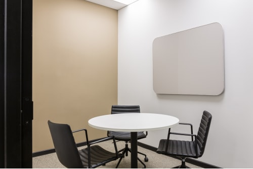 Office space located at 111 Peter St., 4th Floor, Suite 406A, #9