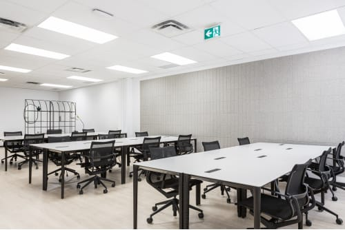 Office space located at 111 Peter St., 4th Floor, Suite 406A, #2