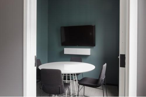 425 Adelaide St. West, 7th Floor, Suite 700, Room 2 #6