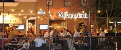 <h5>Milagro Grill - Patio at night</h5>