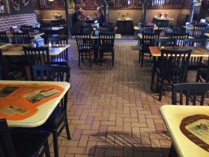 <h5>Papa's and Beer</h5><p> Papa's and Beer - Dining Area Seating</p>