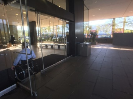 <h5>Phoenix Art Museum</h5><p>Main entrance has a button to automatically open the door.</p>