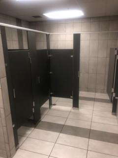 <h5>Panda Express</h5><p> Panda Express - Restrooms</p>