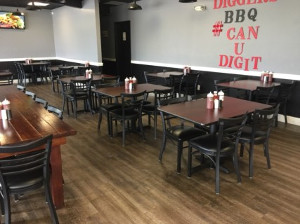 <h5>Diggers BBQ at Haywood</h5><p> Diggers BBQ at Haywood - Dining Area Seating</p>