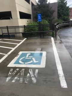 <h5>Hilton Garden Inn Knoxville/University</h5><p> Hilton Garden Inn Knoxville/University - Parking</p>