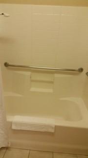 <h5>Comfort Suites Southwest</h5><p> Comfort Suites Southwest - Bathroom</p>
