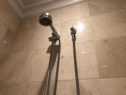 <h5>Fairmont Hotel Vancouver</h5><p> Fairmont Hotel Vancouver - Bathroom</p>