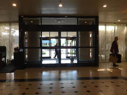<h5>Main entrance</h5>