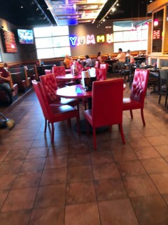 <h5>Red Robin Gourmet Burgers and Brews</h5><p> Red Robin Gourmet Burgers and Brews - Dining Area Seating</p>