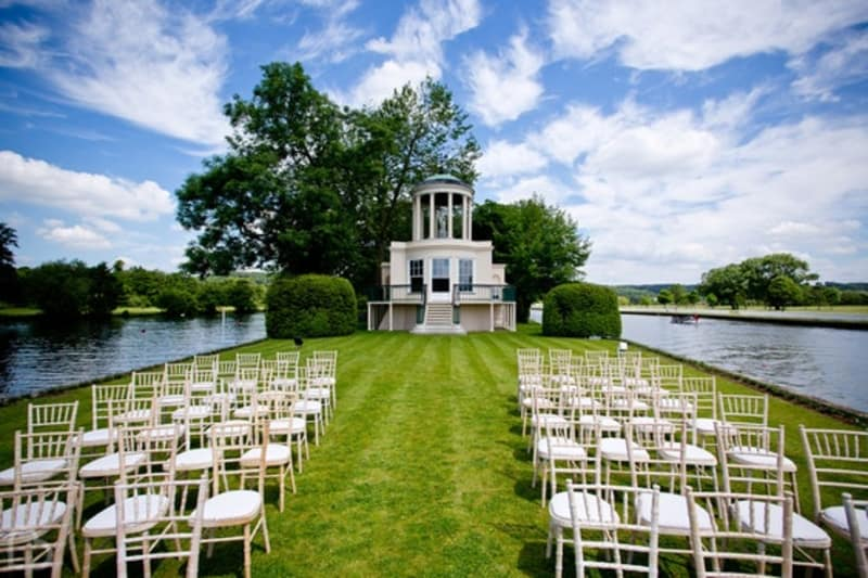 Temple Island wedding venue in oxfordshire