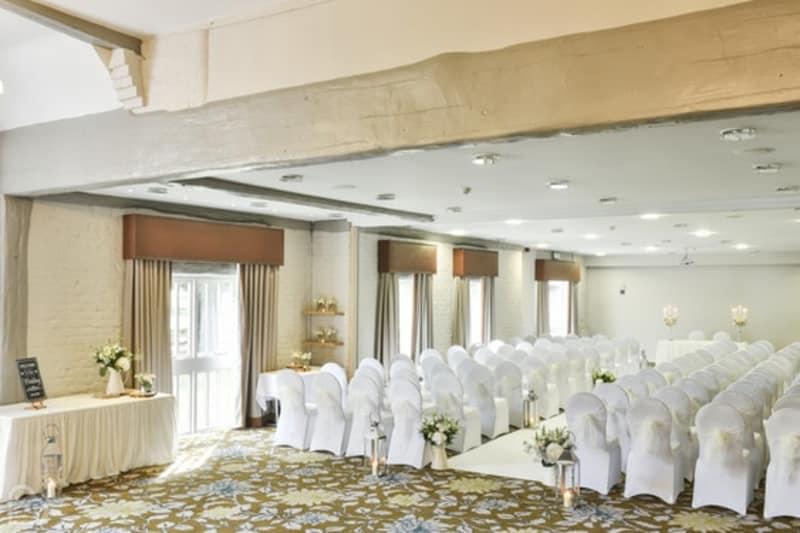 Bridebook.co.uk The Charlecote Pheasant Hotel