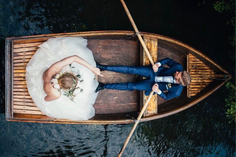 Bridebook.co.uk rowing boat transport