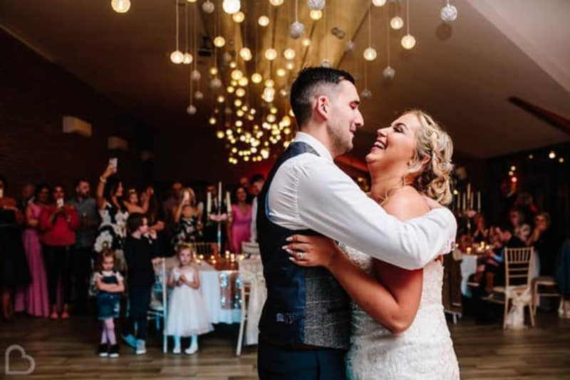 Wedding reviews and how to gather them with award winning photographer Samantha Jayne Photography