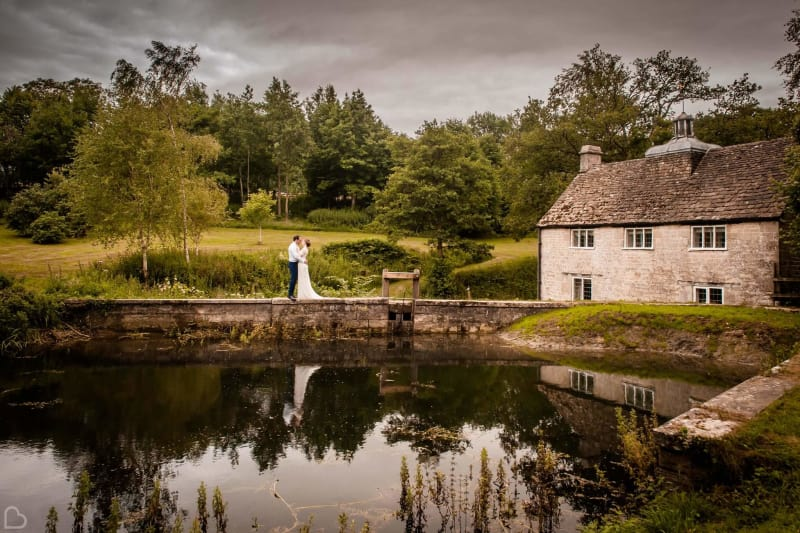 owlpen manor a country wedding venue in the uk