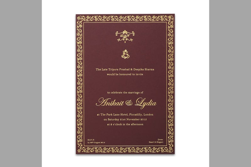 Bridebook.co.uk-Papeterie-Eugénie-maroon-wedding-invitation-metallic-foil-design