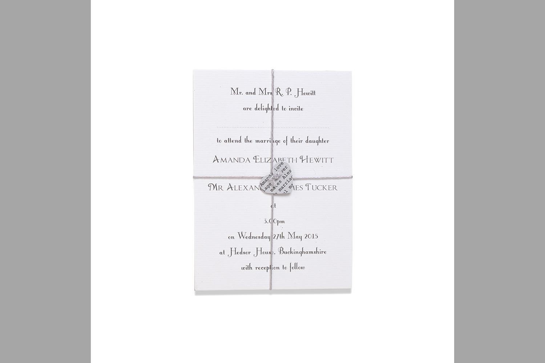 Bridebook.co.uk-Papteterie-Eugénie-wedding-stationery-understated-embellishment