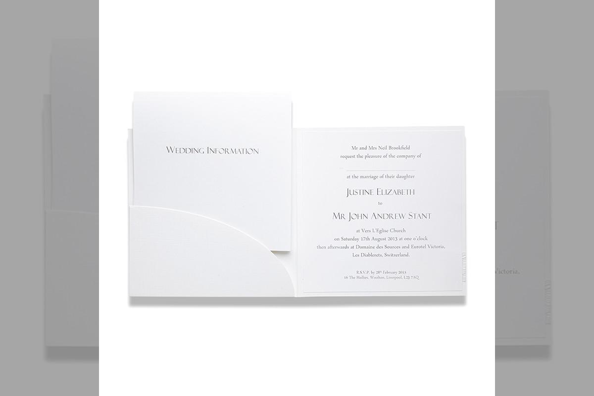 Bridebook.co.uk-Papteterie-Eugénie-wedding-stationery-with-a-pocketfold
