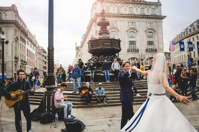 bridebook.co.uk dancing in picadilly circus