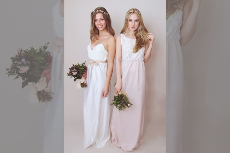 Bridebook.co.uk this modern bridal