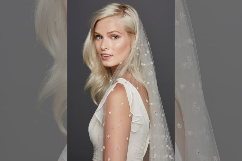 bridebook.co.uk dotted veil on blonde model