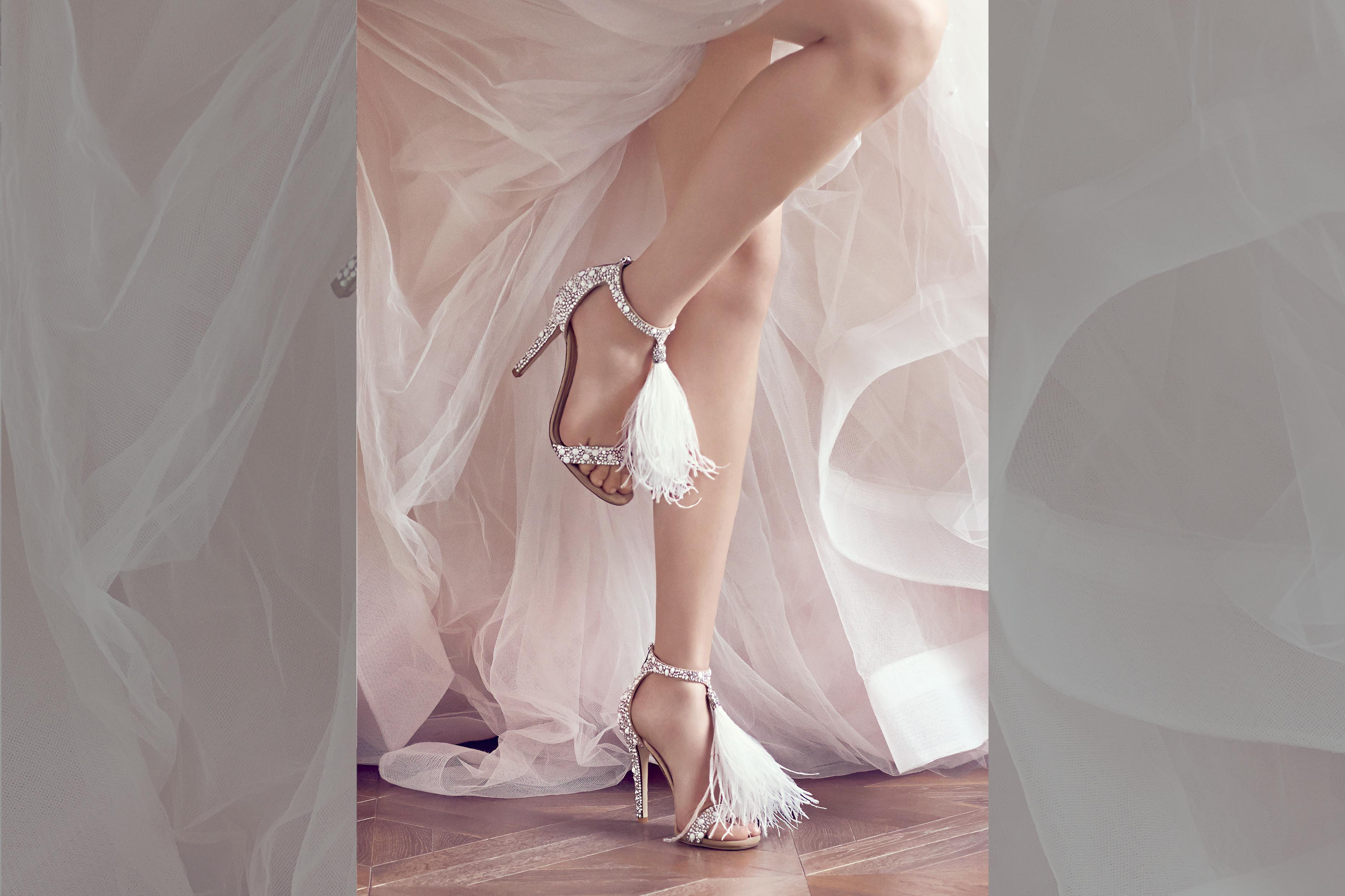 bridebook.co.uk-jimmy-choo-couture-details