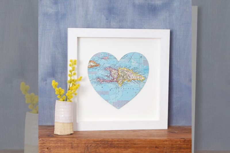 bridebook.co.uk-prezola heart map wall art
