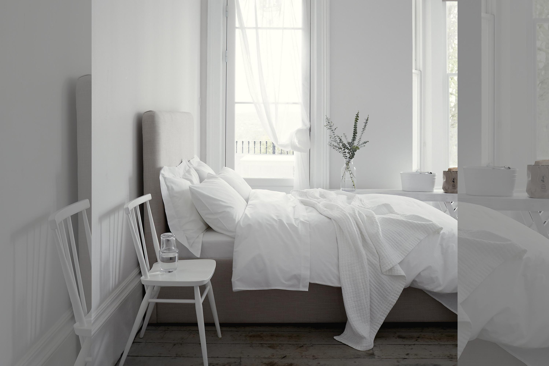 bridebook.co.uk-prezola white bedding