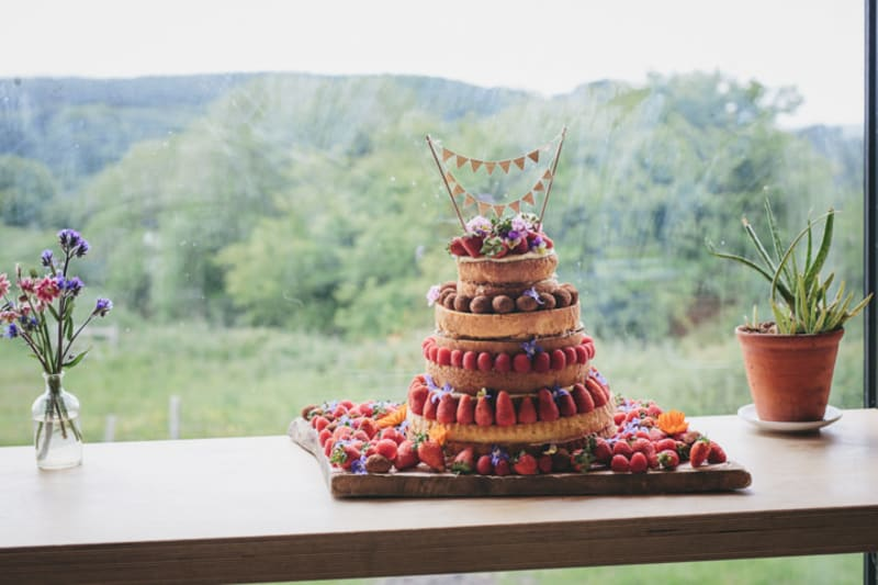 Bridebook.co.uk summer fruits wedding cake