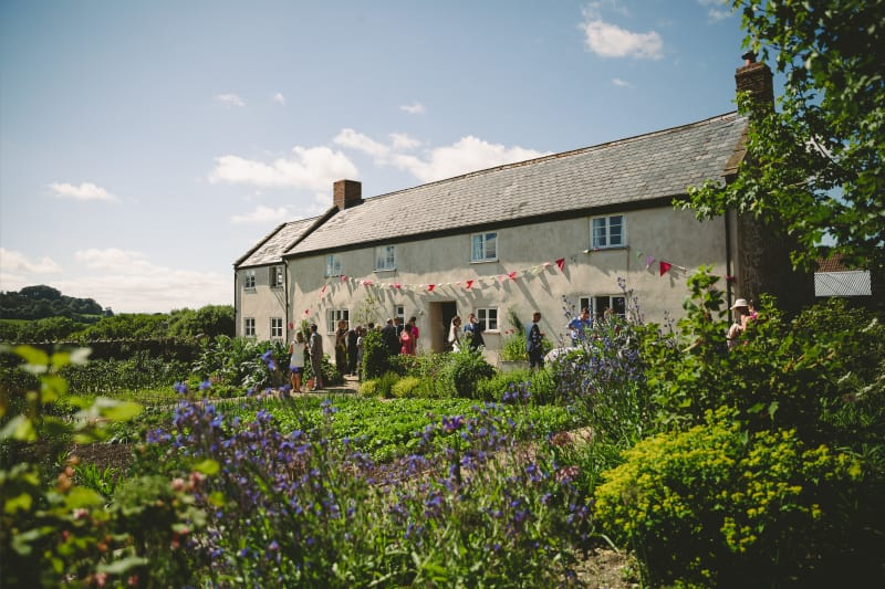 Bridebook.co.uk gorgeous summer garden wedding