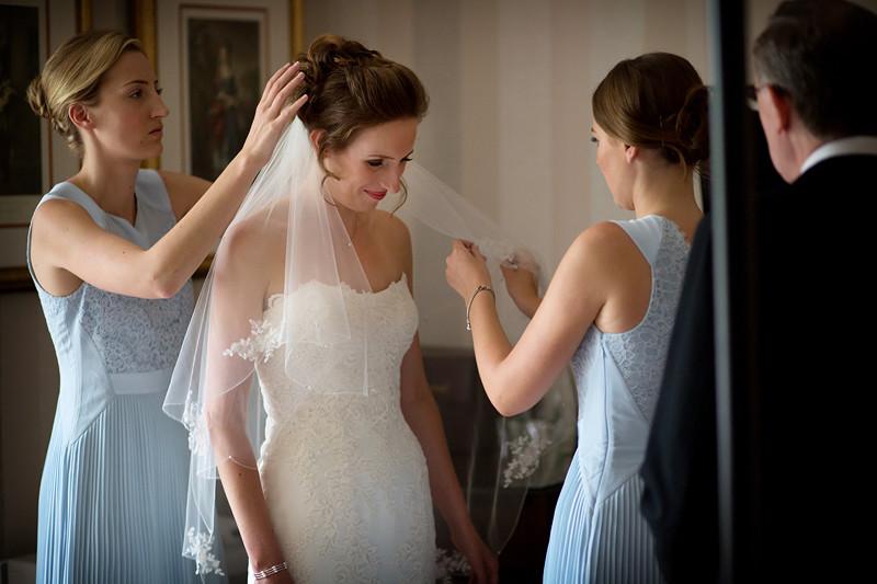 South East | Buckinghamshire | Maidenhead | Summer | Classic | Elegant | Blue | Pastels | Country House | Real Wedding | Guy Hearn Photography #Bridebook #RealWedding #WeddingIdeas Bridebook.co.uk