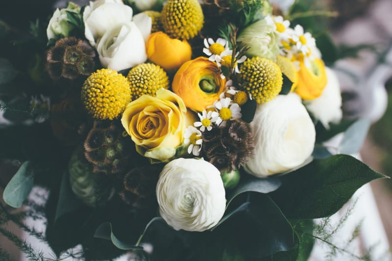Bridebook.co.uk- yellow and white flower wedding bouquet