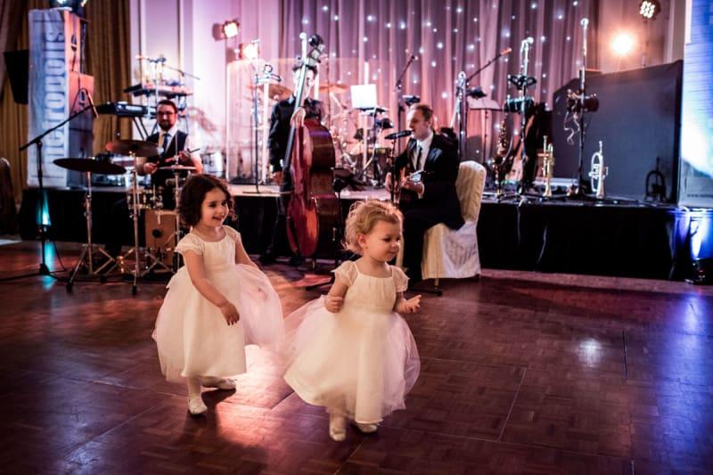 Bridebook.co.uk children dancing on dancefloor