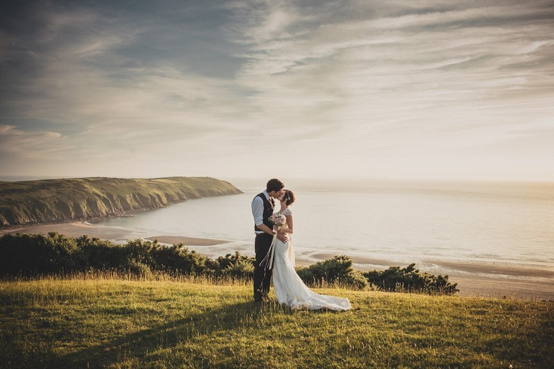Bridebook.co.uk-wedding-day-seaside-by-ali-paul-photography