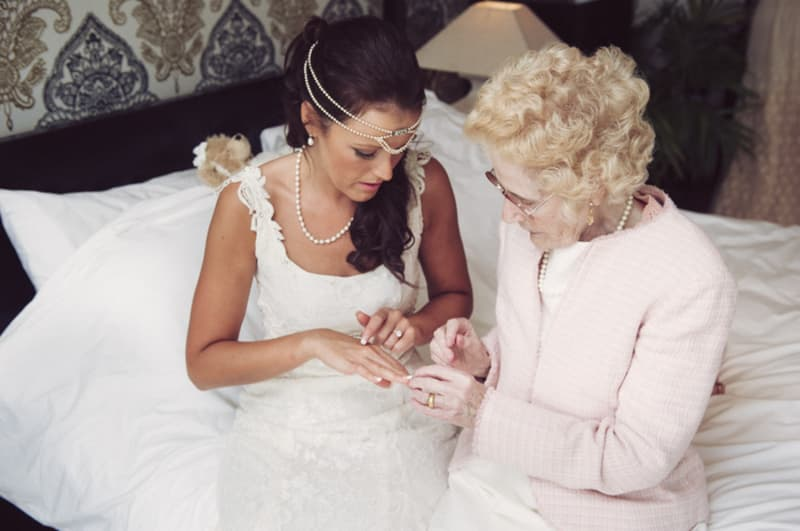 Bridebook.co.uk- bride and her grandmouther talking