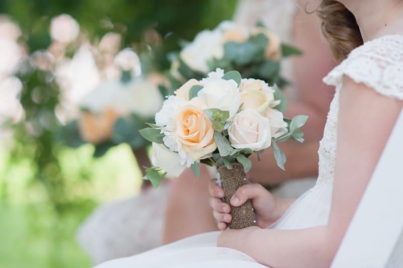 Bridebook.co.uk- white and orange roses bridal bouquet